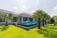 Great 4 Bed Pool Villa on a large plot 10mins west of Hua Hin