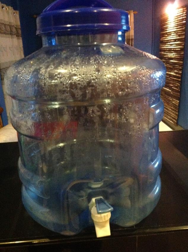 water bottle despenser