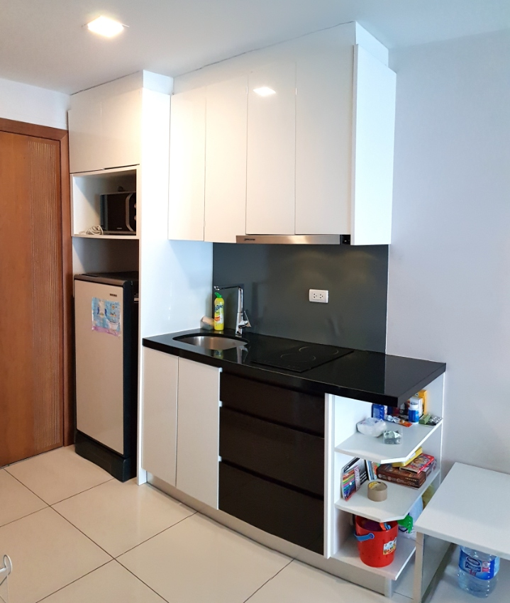 Apartments In The Area: 1-bedroom Apartment In A Very Good Area Of The City