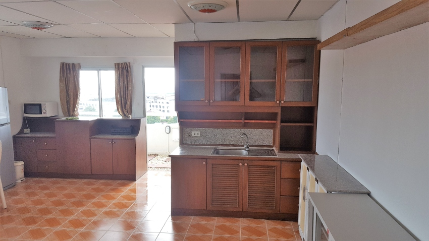 Cheap and Spacious Move-In Ready Condo for Sale or Rent