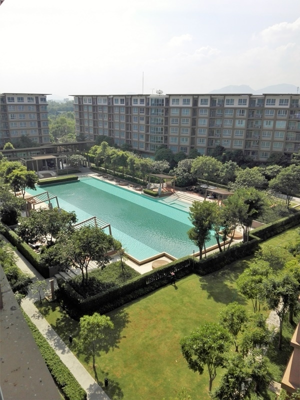 Cha-am Beach South Reduced Priced Top Floor Furnished Studio Show Unit