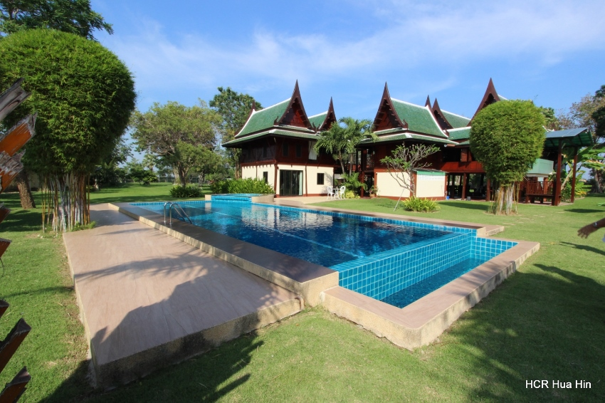Traditional Thai Style House with Private Pool + Gift