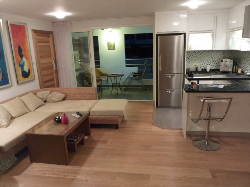 1 Br  82 sqm Condo - Silent oasis in the heart of Pattaya
