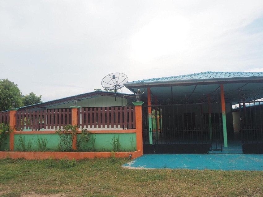 House and land for sale Plot size 268 sqm. Near the beach
