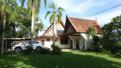 Thai estate on over 3 Rai, Mabprachan, Pattaya for Sale