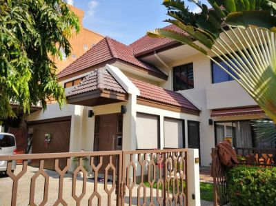 Noble Thonglor 25 Private Pool Detached House for sale