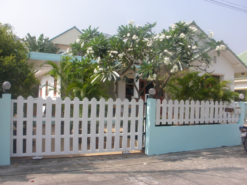 Two bed two bath villa for rent on pool village
