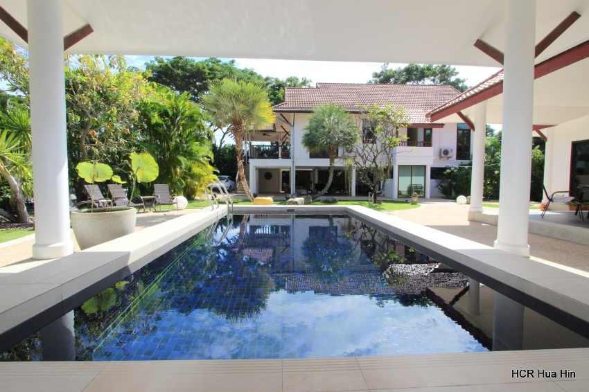5 Bedroom pool villa with separate guesthouse+Gift