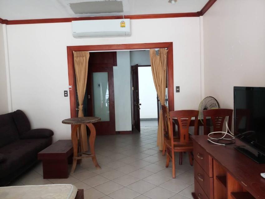 To rent a 5th floor Condo 181FAG at Baan Suan Lalana