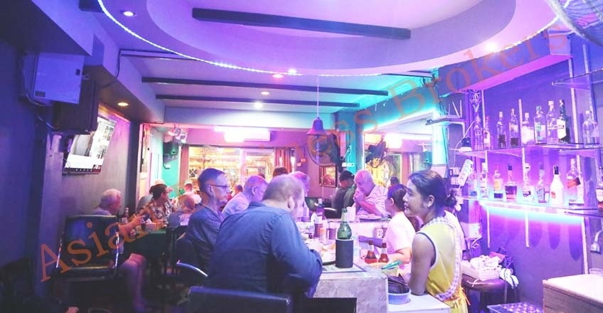 1202049 Great Jomtien Location Bar and 4-Room Guesthouse