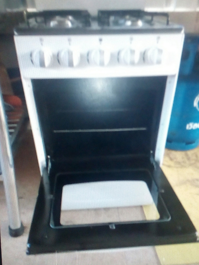 GAS OVEN WITH 4 BURNER HOB FOR SALE