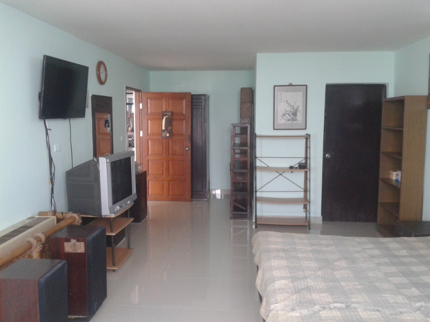 JOMTIEN 191 M2  Sea view 3 B/R , 9.2 MB . 30th floor,foreign name