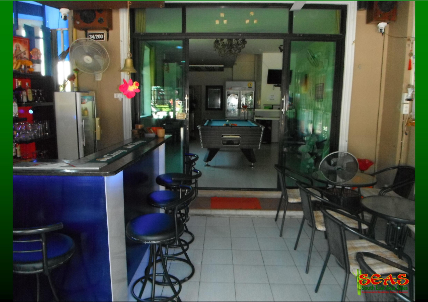 Popular and Profitable Bar, Excellent Location with Accommodation
