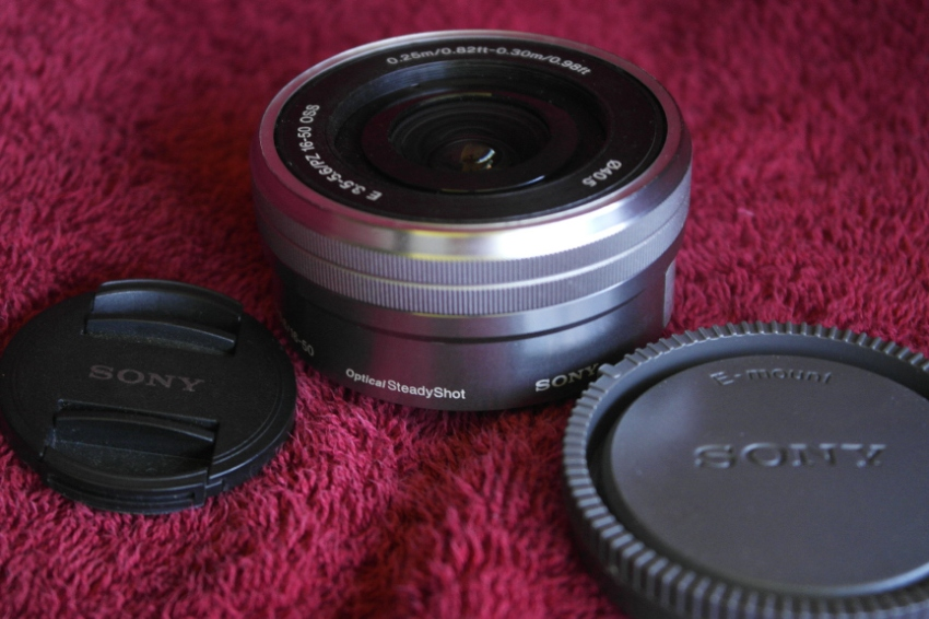 Sony SELP1650 16-50mm F3.5-5.6 OSS PZ Black
