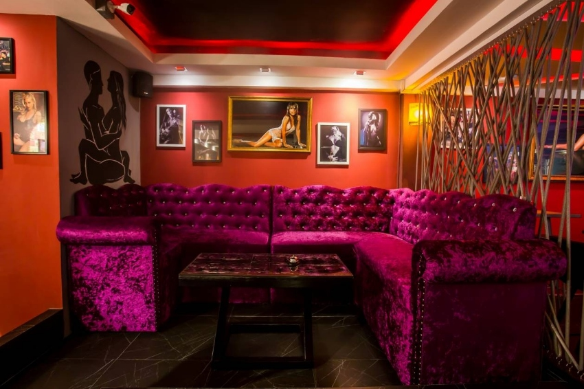 Pattaya Gentlemen's Club + 24 room Boutique Hotel