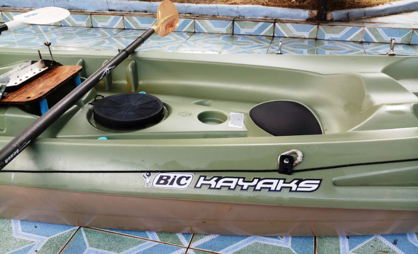 2 SEATER FISHING KAYAK WITH EL. OUTBOARD ENGINE