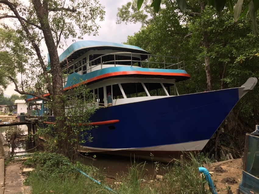 New steel day trip dive boat for sale
