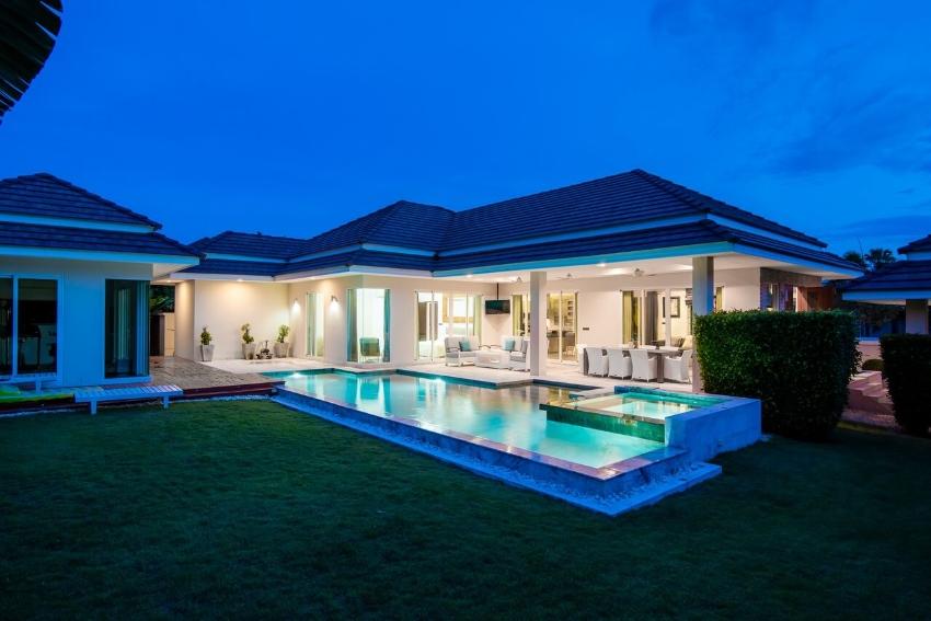 New Luxury Homes Pool Villas