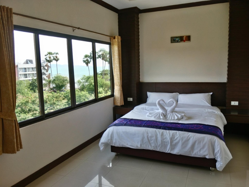12 ROOMS GUESTHOUSE LOCATED IN JOMTIEN
