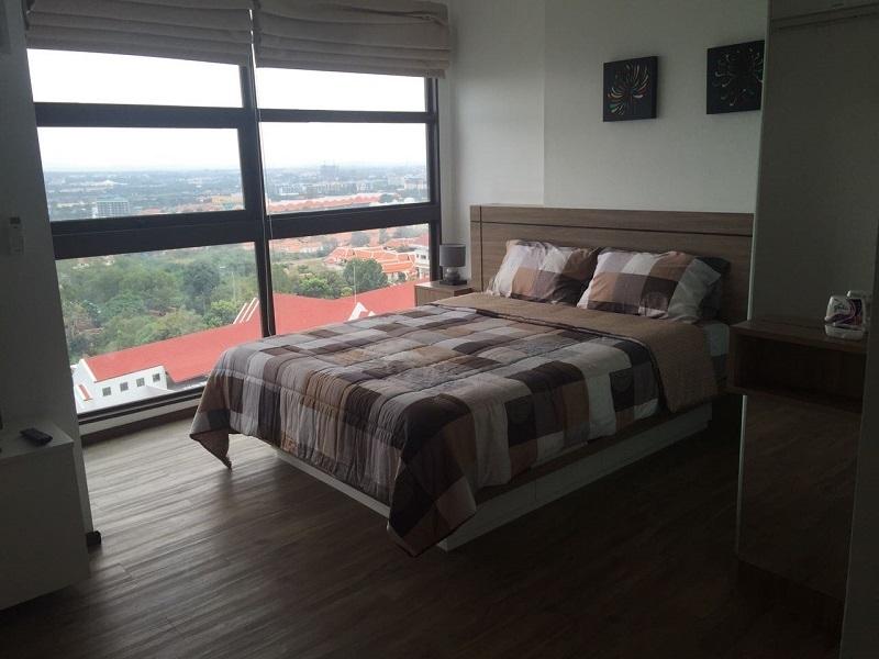 Hot sale! Treetops Condominium, top floor, sea and city view