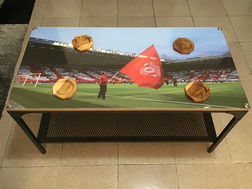 Special Man United steel Plexiglas coffee table