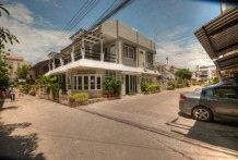 6 Bed Guest House, Down Town Hua Hin Location, 2 mins to the beach