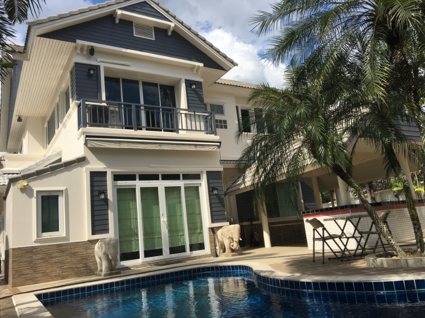 Attractive 2 story house with swimming pool for sale in Sriracha. TH