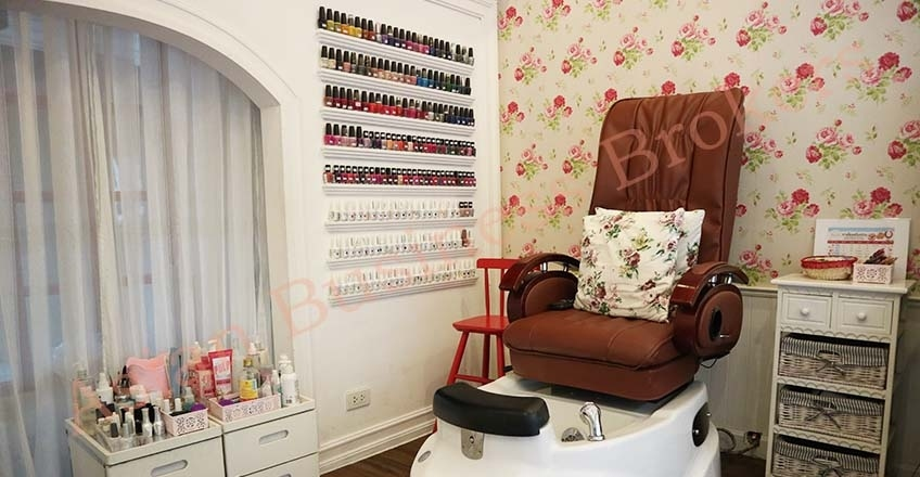 0143002 Pretty Nail Spa in Condos Area of On Nut for Sale