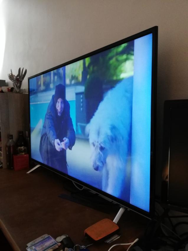 TCL 50-inch UHD/4K Smart TV