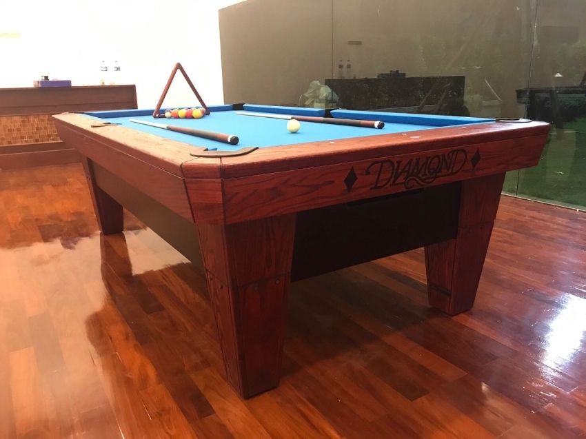 Diamond Great Pool Table for Sale