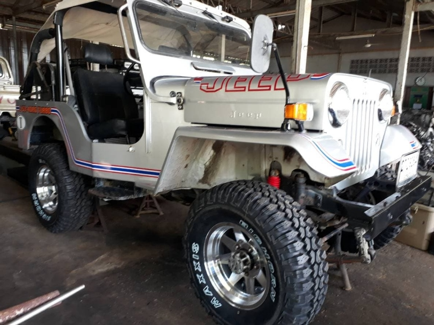 Mitsubishi Willys Jeep J53 2.7 Turbo Diesel Phuket