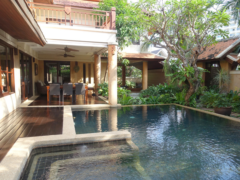 Chateau Dale: Tropical 4 plus bedroom pool villa at top Pattaya/Jomtie