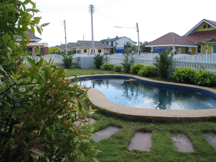 VILLA in Cha Am with private pool NEW BUILD