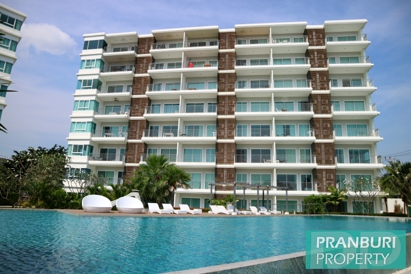 panoramic ocean, island & mountain views from this Pranburi penthouse