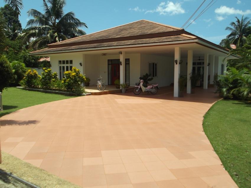 3 Bedroom Pool Villa Near Beach In Bangsaphan