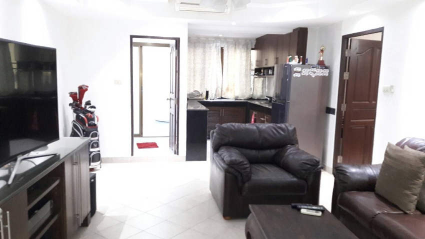 64 sqm one bedroom condo in Pattaya