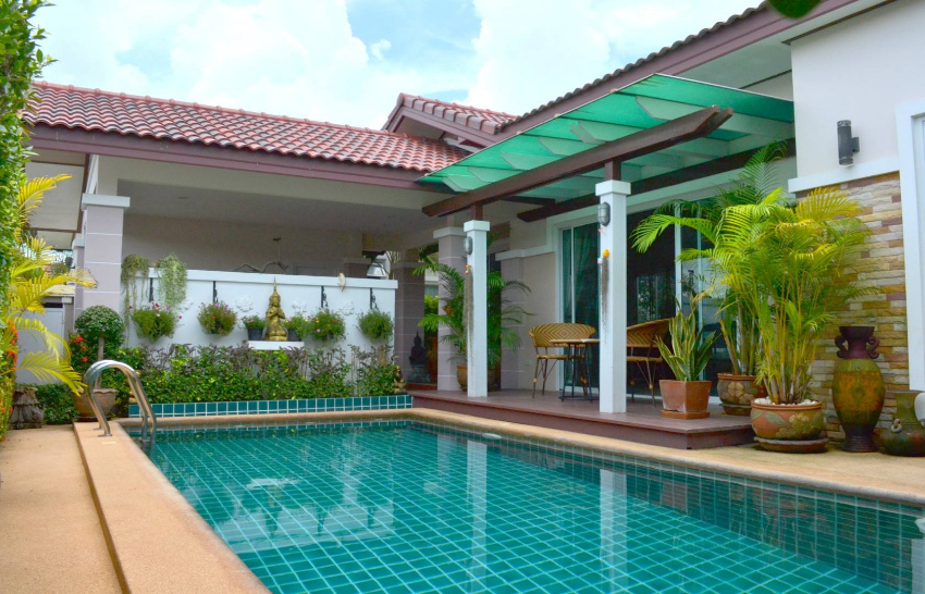 Pool Villa For Sale in gated community in Huay Yai
