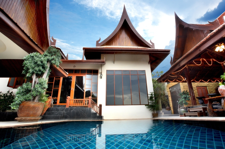 3 bedrooms pool villa with 2 bed Apartment Kamala/Phuket for sale
