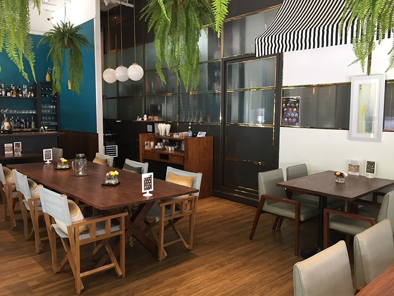 Superb Bar Restaurant For Sale in Sukhumvit soi 26