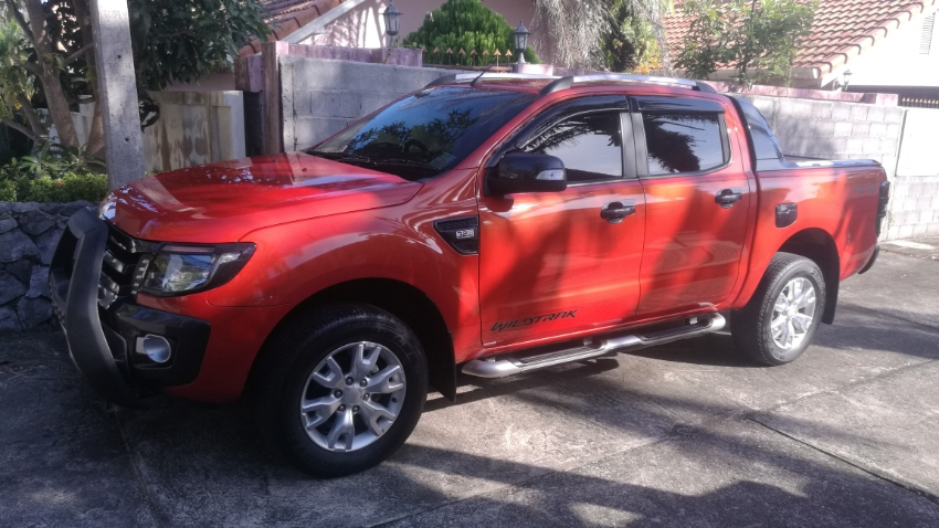 Ford Ranger 3.2 L, 6-speed automatic, 1 owner