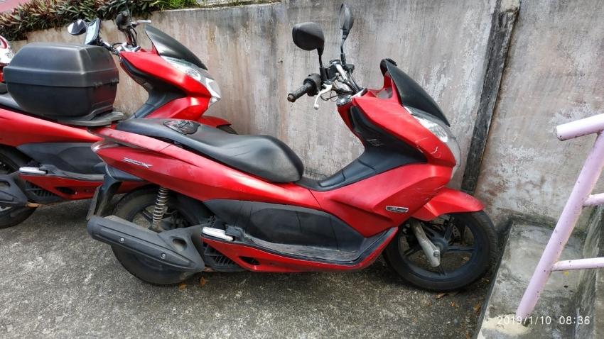 Honda PCX-125i (2011) red - Phatong Beach