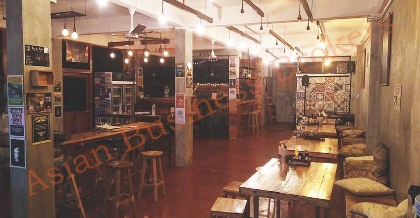0149022 Craft Beer Bar for Sale in Ekamai area of Bangkok
