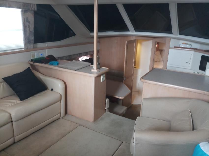 40' Carver 405 Motor Yacht