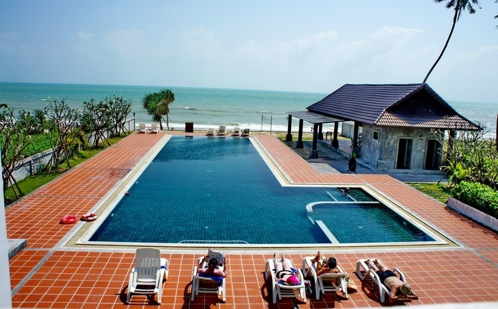 Best DEAL ! Freehold condo in Pure Beachfront