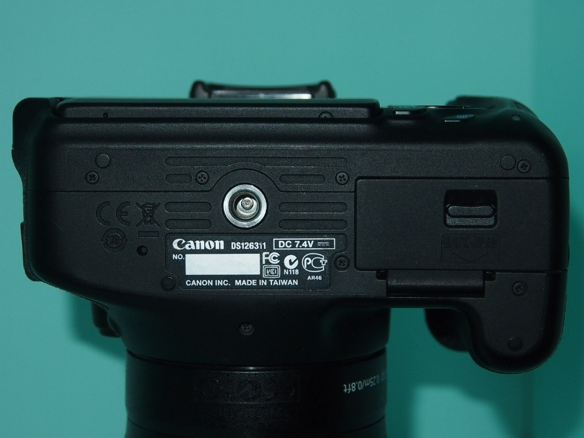 Canon EOS 600D (Kiss X5, Rebel T3i) black body