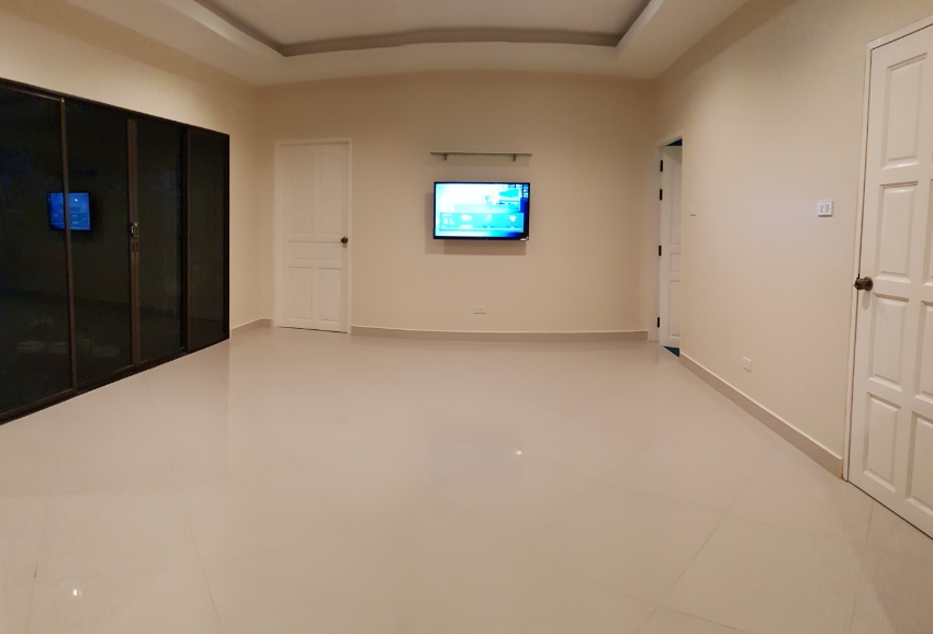 Private House for rent in Huayyai