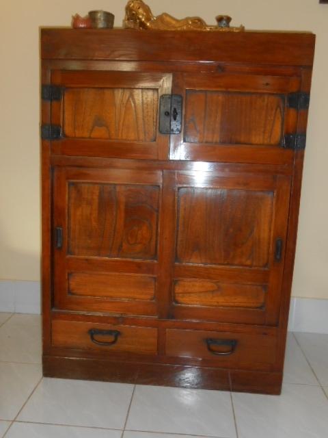 Antique wardrobe (certified)