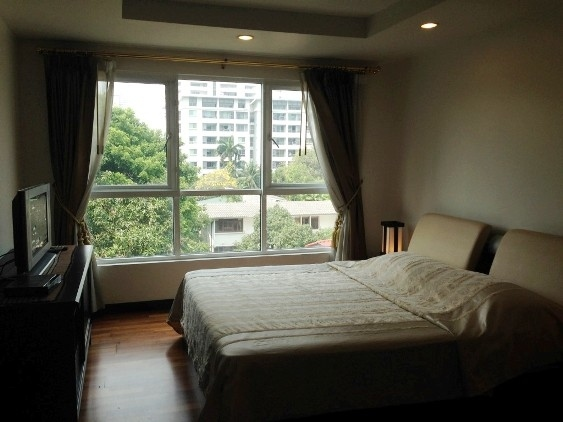107m/Sq Condo in the Ekamai Sukhumvit 61 For Rent
