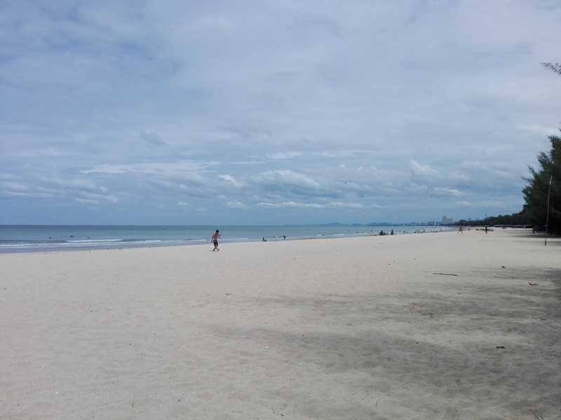 Cha-am Furnished Beachside Seaview Studio Condo For Sale