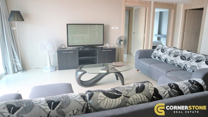 106m² 2 bedroom condo on Pratumnak Hill For Rent